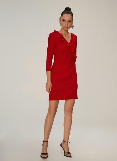 NGSTYLE Volan Detaylı Elbise Kırmızı